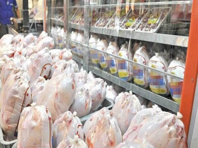 افزایش شدید قیمت مرغ و بی تدبیری هایی که مرغ را پر داد!