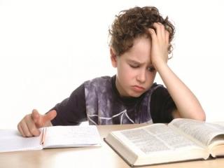 چه رفتاری مناسب است تا کودک از درس متنفر نشود؟