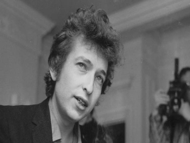 بزرگترین قرارداد تاریخ موسیقی با باب دیلن بسته شد