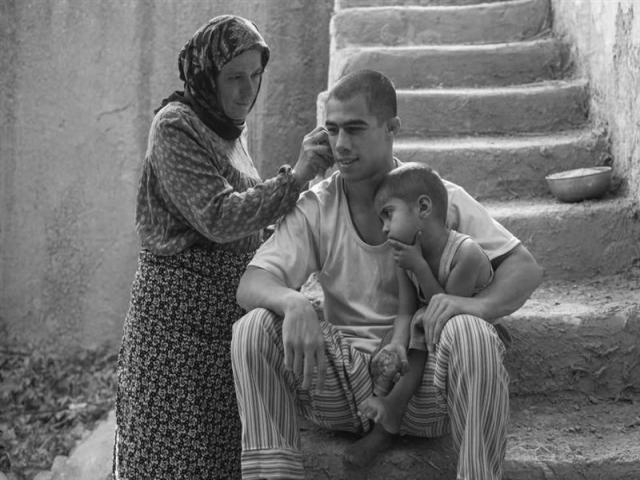 نگاهی به فیلم تختی : روایت زندگی یک اسطوره ملی