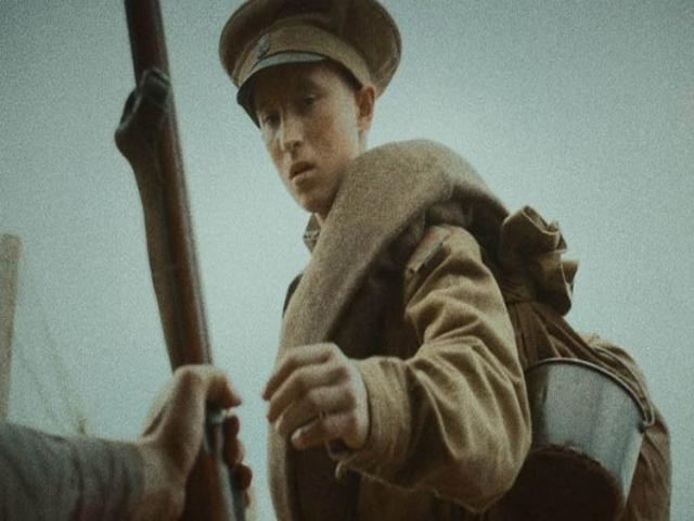 نقد فیلم جوان روس ، برنده جایزه بهترین فیلم در بخش سینمای جشنواره جهانی فیلم فجر
