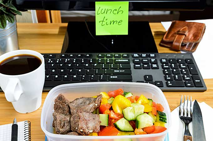 ناهار در محل کار