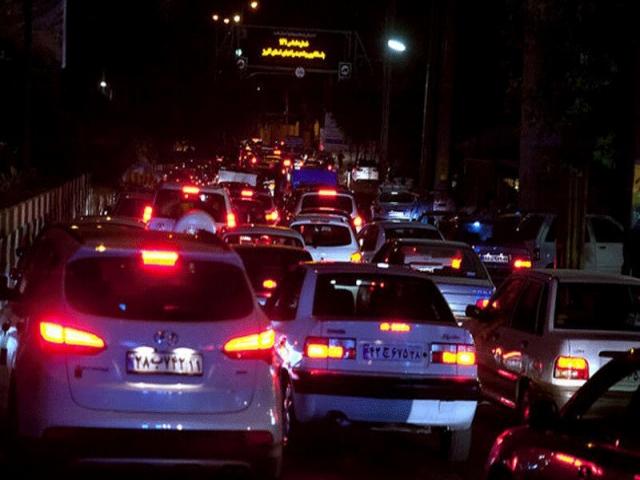 پیشنهاد منع تردد و تعطیلی مشاغل در شب یلدا از ساعت 18/ افزایش قدرت انتقال کرونا