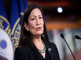نخستین زن سرخ پوست، وزیر کشور آمریکا میشود