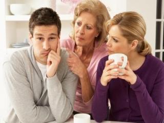چگونه در جلسه خواستگاری بفهمیم پسر وابسته به مادر خود است؟