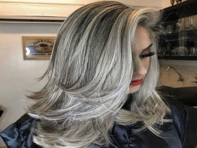 رنگ و مدل مو 2021 و 1400 ؛ توجه بیشتر خانم ها به رنگ خاکستری