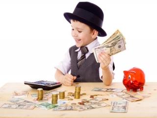 چگونه مهارت پس انداز کردن و خرج کردن پول را به کودک آموزش دهیم ؟