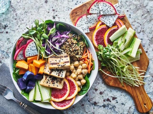 10 ماده غذایی فوق العاده در دوران کرونا