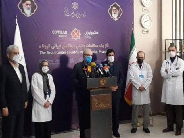 وزیر بهداشت: واکسنی که به ملت تزریق میکنیم خودمان باورش داریم/شروع تزریق واکسن کرونا