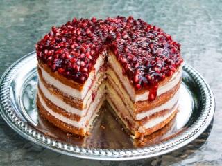 طرز تهیه کیک انار ؛ مخصوص شب یلدا