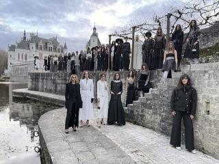 نمایش مد شانل 2021 ؛ لباسهای گرانقیمت با شلوارهای لگ