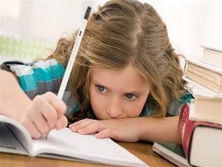 چراکودکم را به درس خواندن علاقه نشان نمیدهد؟
