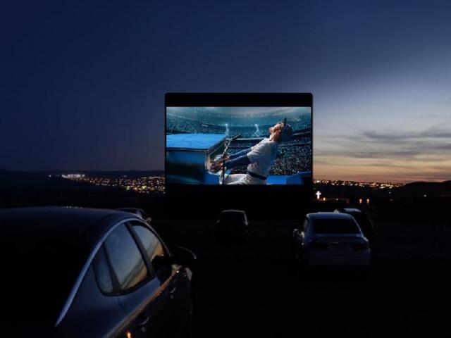 فیلم های روز را در سینما ماشین ببینید!