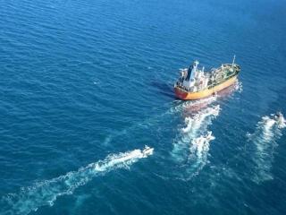 علت توقیف کشتی کره ای در آب های خلیج فارس چه بود؟