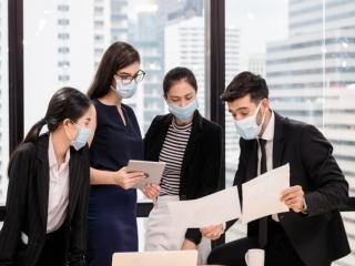 تهدید جدید کرونا در شرکتها ؛ چگونه وقتی تمام دنیا خسته شده است مدیریت کنیم؟