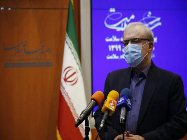 وزیر بهداشت: همراهی کنید تا در دام ویروس جهش یافته نیفتیم