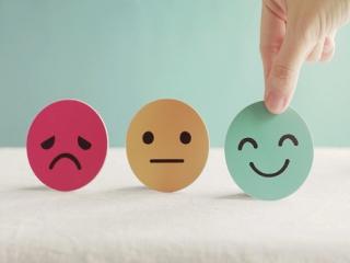 ابراز احساسات، بیان کردن یا نکردن؟