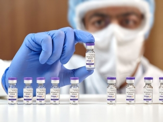 عضو ستاد ملی مقابله با کرونا: بین تزریق واکسن کرونا و آنفلوآنزا فاصله بیندازید