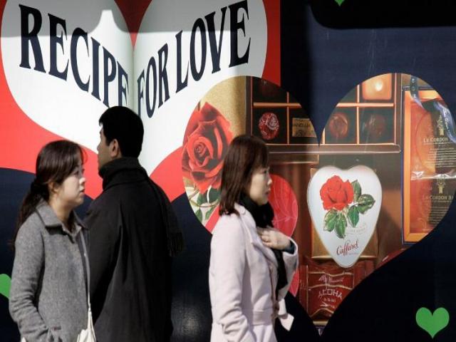 گیری چوگو؛ رسم ژاپنی ها در روز عشق و اجبار در کادو دادن به همکاران