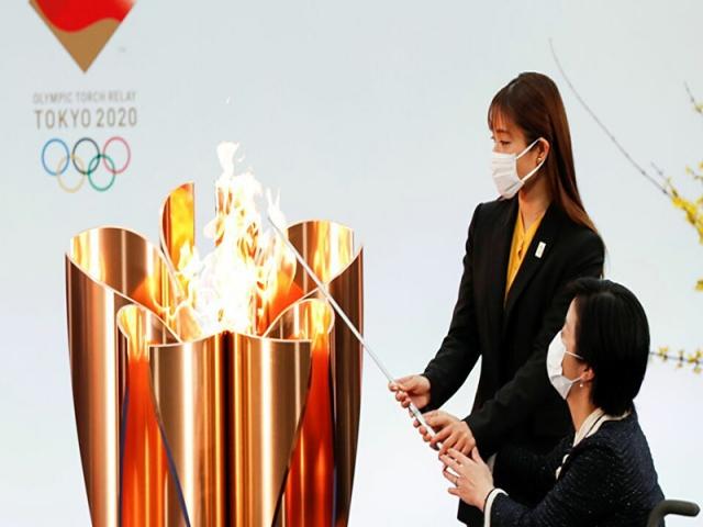 سرانجام مشعل المپیک توکیو روشن شد