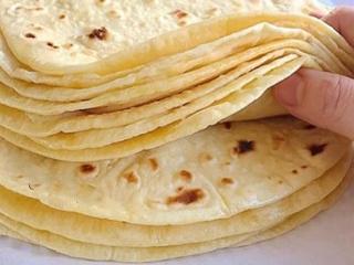 طرز تهیه نون تافتون خانگی ؛ نون داغ برای وعده افطار