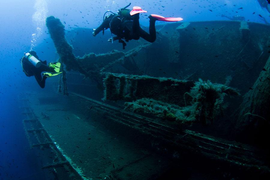 تایتانیک در اعماق دریا