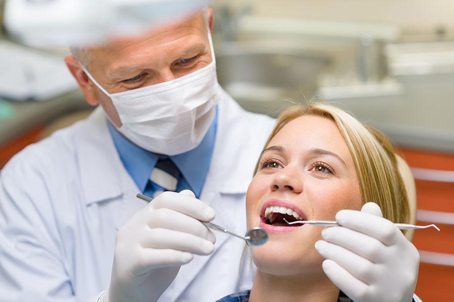 ویزیت دندانپزشکی در فواصل منظم