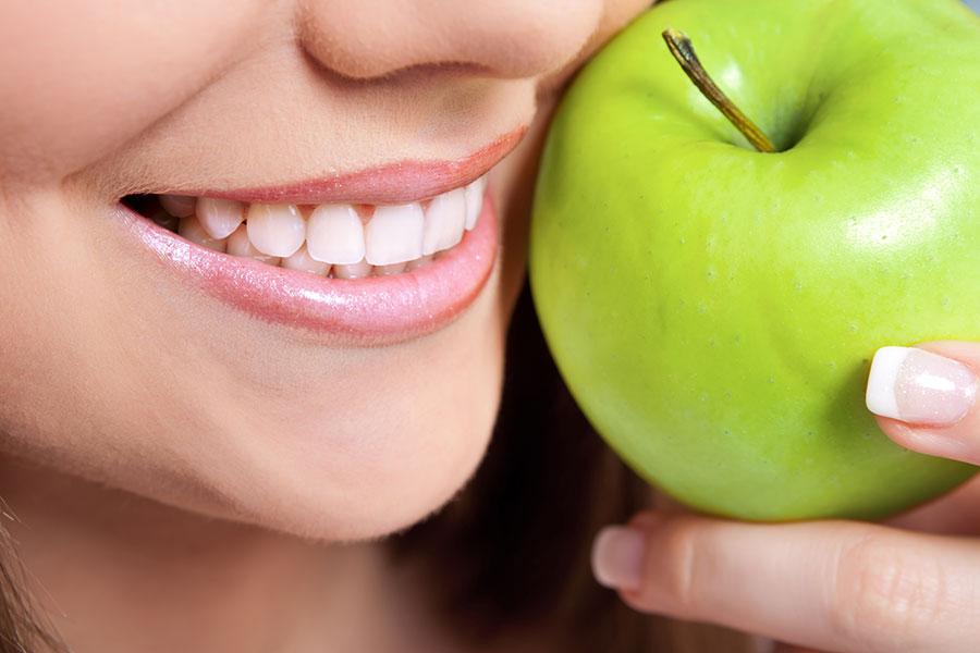 مصرف مواد غذایی سالم و حفظ سلامت دندان ها