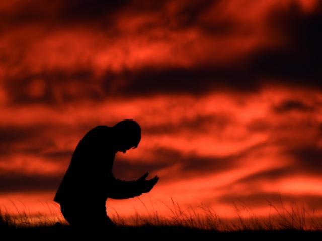 رابطه نماز با میدان مغناطیسی بدن انسان