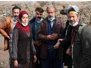 نگاهی به مجموعه نون خ ، نقد از چکاوک شیرازی