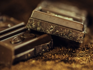 با مزایای بی شمار شکلات سیاه آشنا شوید