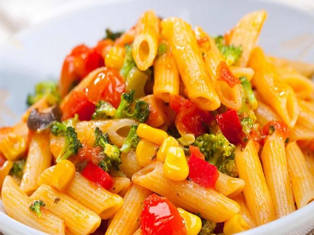 طرز تهیه ماکارونی گیاهی ؛ غذایی سالم و آسان