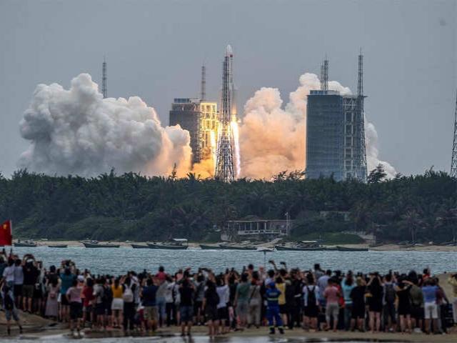 بقایای موشک چینی در اقیانوس هند سقوط کرد