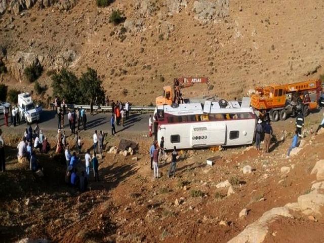 جزئیاتی از سفر خبرنگاران محیط زیست و واژگونی اتوبوس