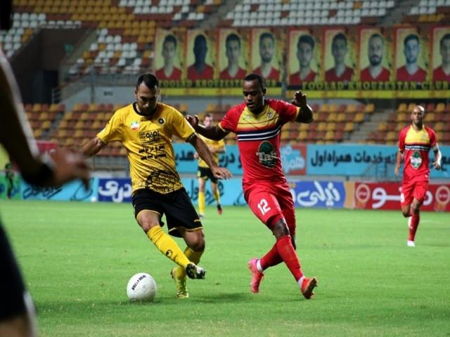 فولاد به نیمه نهایی جام حذفی فوتبال صعود کرد