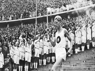 اولین مشعل المپیک، کجا روشن شد؟