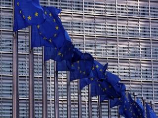 اتحادیه اروپا: تحریم های نفتی ایران باید لغو شود