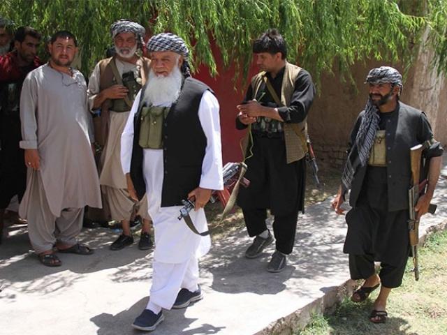 اسماعیل خان، رهبر جبهه مقاومت مردمی افغانستان وارد ایران شد