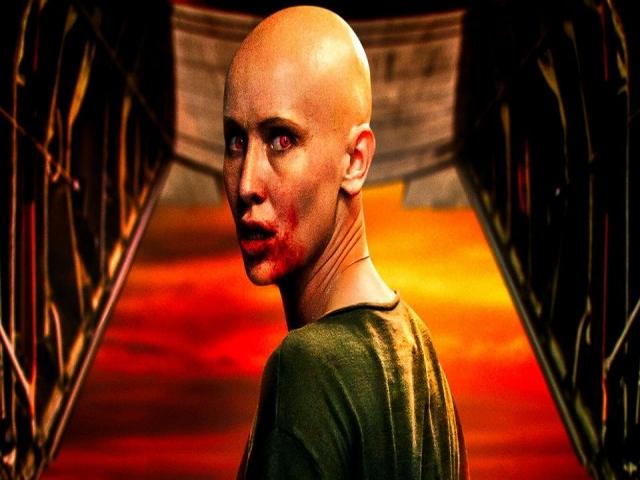 معرفى و نقد روانشناختی فیلم سینمایی آسمان سرخ خونین با نگاهی به شخصیت نادجا