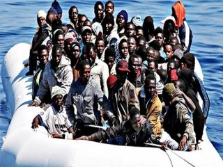 احتمال مرگ حدود 40 مهاجر در پی واژگونی قایقی در سواحل «صحرای غربی»