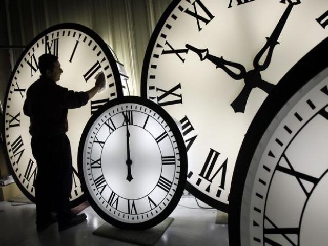 آیا براستی زمان وجود دارد؟