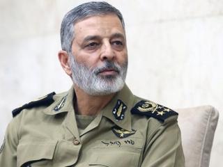 سرلشکر موسوی: نیروی دریایی ارتش، استکبار جهانی را دچار ابهام راهبردی کرد