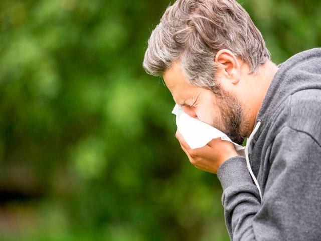 علائم حساسیت فصلی و روش های درمان آن
