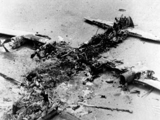 5 اردیبهشت ، شکست حمله نظامی آمریکا به ایران در طبس (1359 ش)