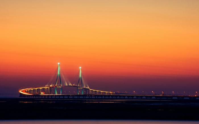 2014-Incheon-Korea-Bridge-Lights