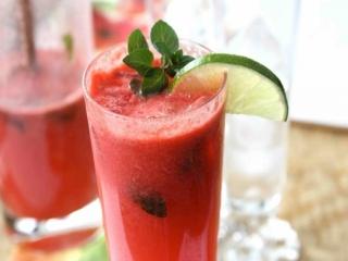 طرز تهیه آب هندوانه