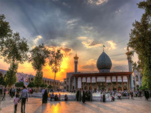 6 ذی القعده ، روز بزرگداشت حضرت احمدبن موسی شاهچراغ (ع)