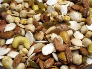 تخفیف 10 تا 30 درصدی مواد غذایی در جشنواره یلدا