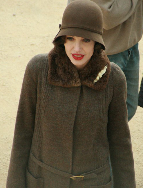 Angelina_Jolie_on_the_set_of_Changeling_by_Monique_Autrey_(cropped)
