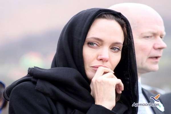 Becoming a Muslim of Angelina Jolie